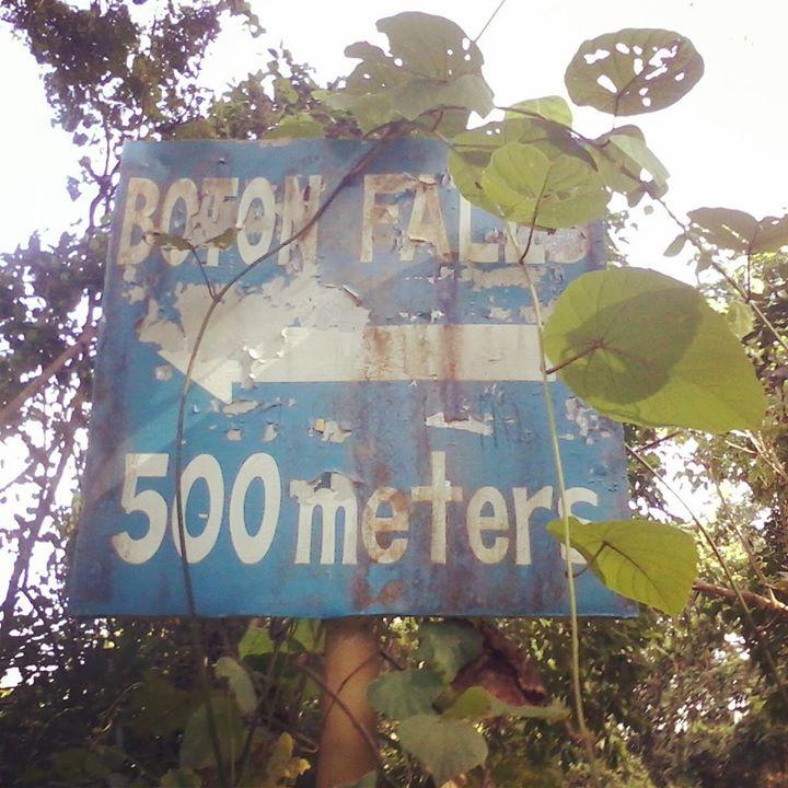 Boton Falls, Subic Falls,