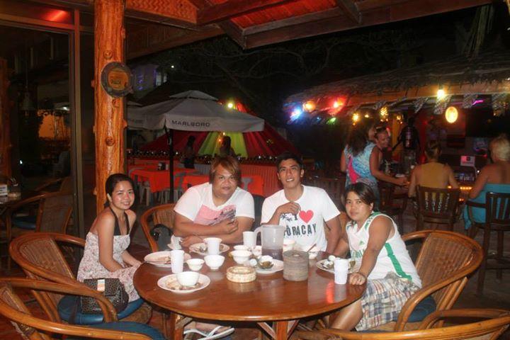 Boracay, Boracay Restaurtant, Boracay Buffet, Boracay Eat All You Can, Cheap Boracay Restaurants,
