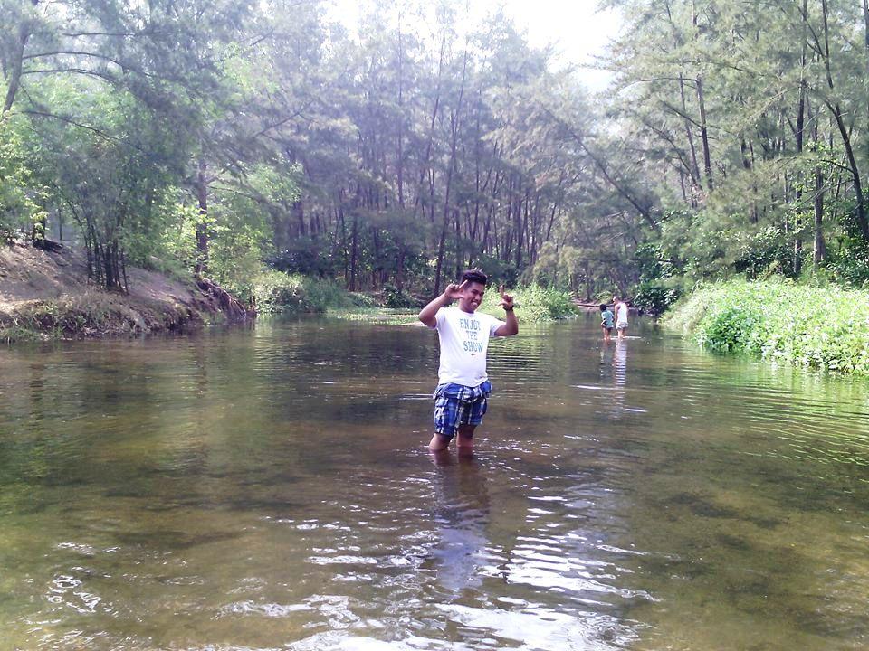 Anawangin Stream, Anawangin, Nagsasa, Capones, Anawangin Cove, Anawangin Island, Nagsasa Cove, Nagsasa Island, Capones Island, Capones White Beach Zambales,