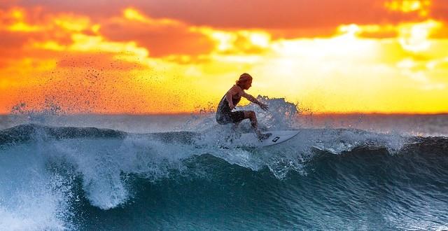 surfing-2212948_640